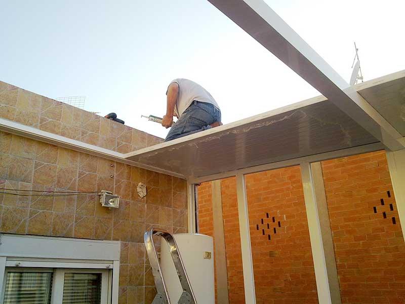 instalación de un cerramiento de terraza por un profesional