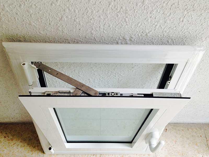 ventana batiente con cristal laminado